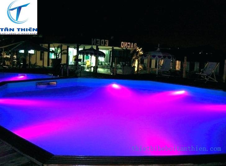 Đèn bể bơi Tân Thiên